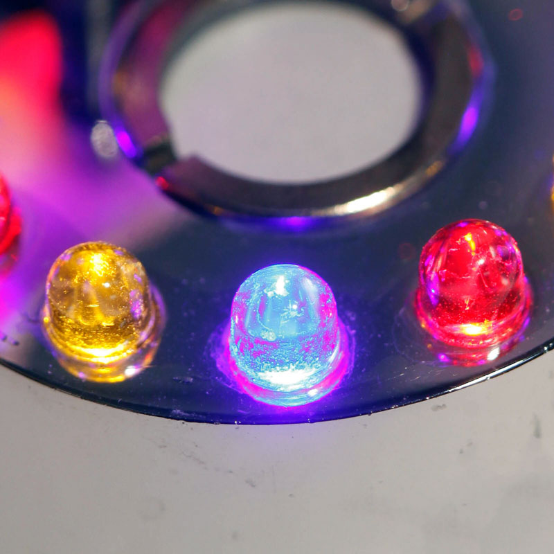 dh-24-led-underwater-mister-puck-light-colors.jpg